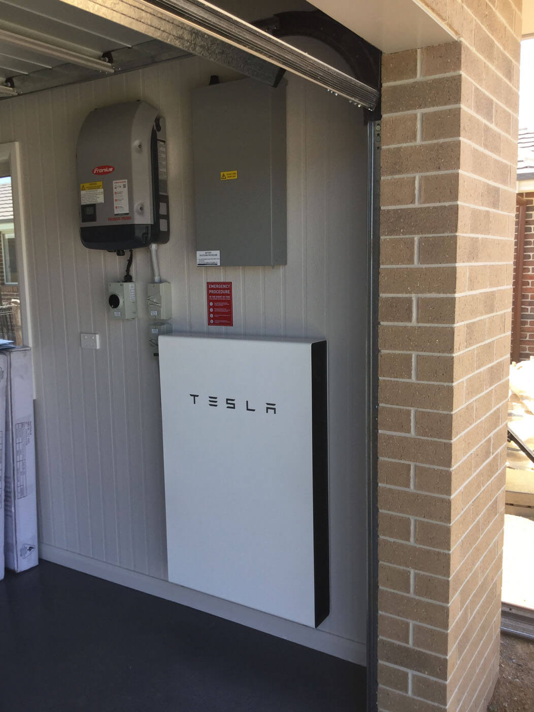 Garage Tesla Battery 2